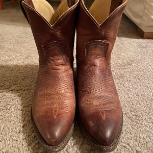 Frye billy short boot
